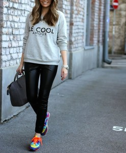 Casual-Outfit-Clolorful-Sneakers